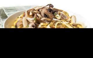 Паста с белыми грибами: по-итальянски, с курицей, беконом и сливками