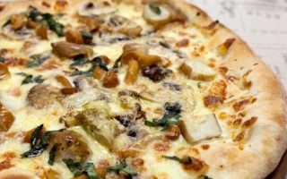 Пицца с опятами: пошаговые рецепты с замороженными, маринованными грибами, с сыром, с колбасой